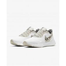 حذاء جري من نايكي