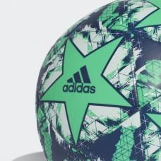 كرة قدم من أديداس